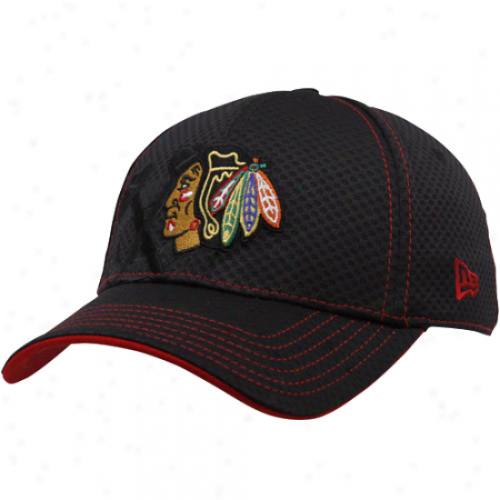 Chicago Black Hawks Merchandise: New Era Chicago Black Hawks Black 39thirty Strain Fit Hat