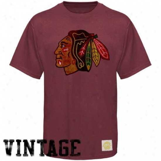 Chicago Blackhawk Apoarel: Reebok Chicago Blackhawk Burgundy Retro Logo Vintage Premium T-shirt