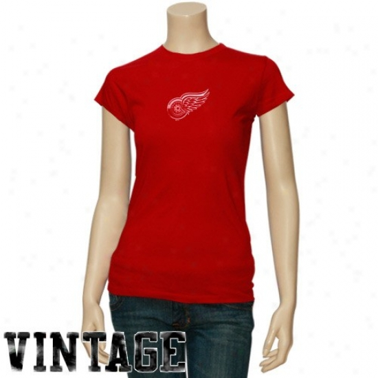 Detroit Red Wings Attire: Majestic Detroit Red Wings Ladies Red Haughty Time Play Vintage T-shirt