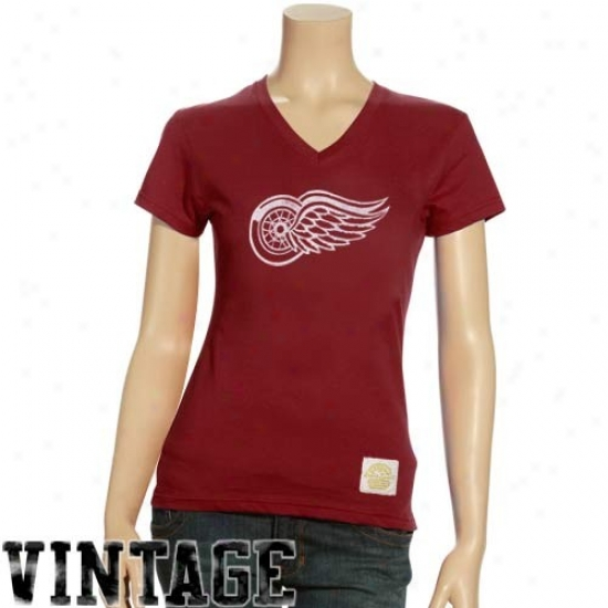 Detroit Red Wings Attire: Reebok Detroit Red Wings Ladies Red Better Logo Vintage Premium V-neck T-shirt