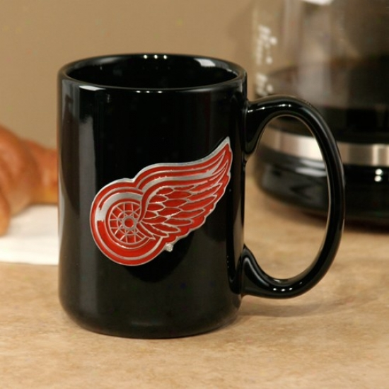 Detroit Red Wings Black 15oz. Pewter Logo Ceramic Mug