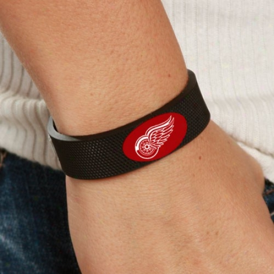 Detroit Red Wings Black Hockey Bracelet