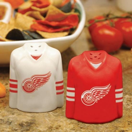 Detroit Red Wings Gameday Ceramic Salt & Pepper Shakers