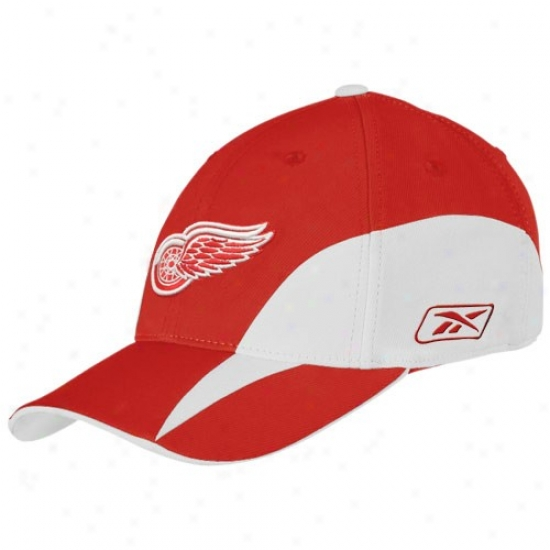 Detroit Red Wings Hat : Reebok Detrroit Red Wings Red Practice Stretch Fit Hat
