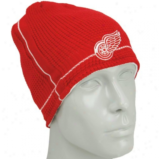 Dwtroit Red Wings Merchandise: Reebok Detroit Red Wings Red-white Functionary Team Reversible Knit Beaie