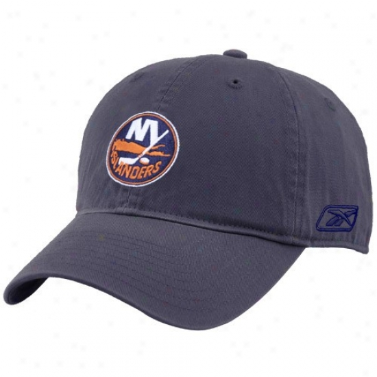 New York Islanders Cap : Reebok New York Islanders Navy Blue Unstructured Slouch Cap