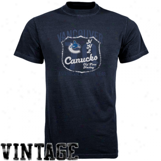 Going to decay Time Hockey Vancouver Canucks Navy Blue Captain T-shirt