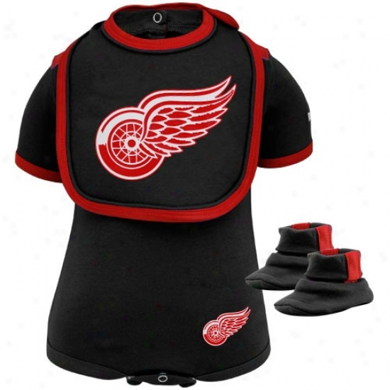 Reebok Detroit Red Wings Infant Black 3-piece Creeper, Bib & Booties Set