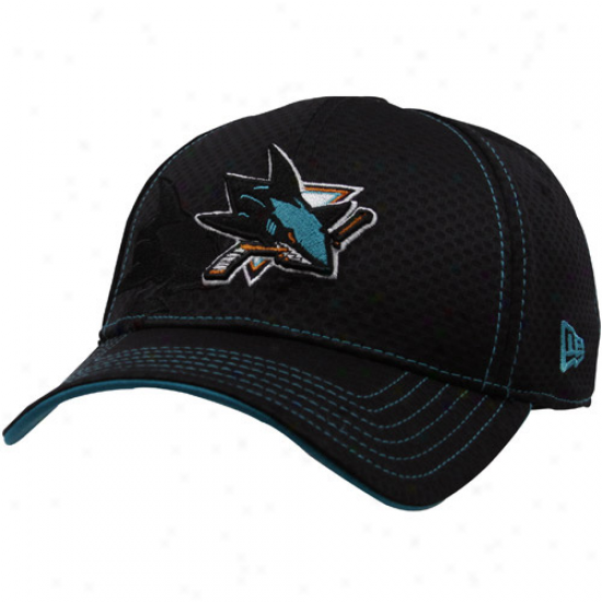 San Jose Shark Gear: New Era San Jose Shark Black 39thirty Stretch Fit aHt