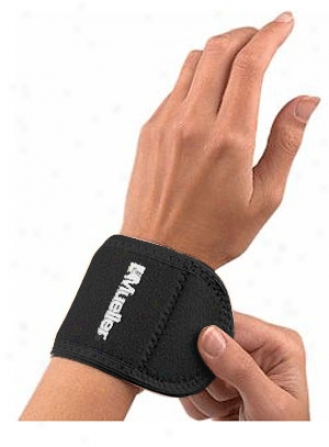 Mueller Neoprene Blend Wrist Support