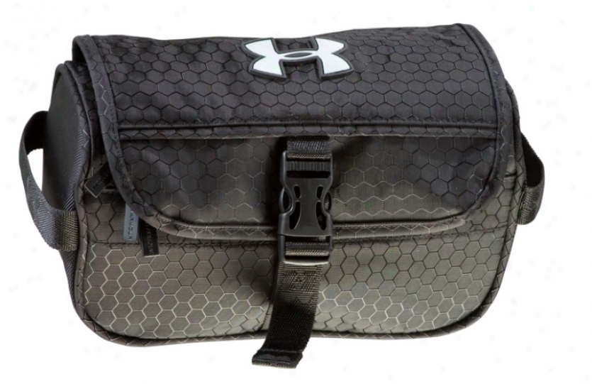 Under Armour Toiletry Kit